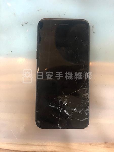 Apple iPhone 8 螢幕維修,螢幕破損黑畫面