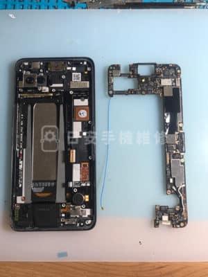 Asus 華碩 Zenfone ROG Phone ZS600KL 移除主機板