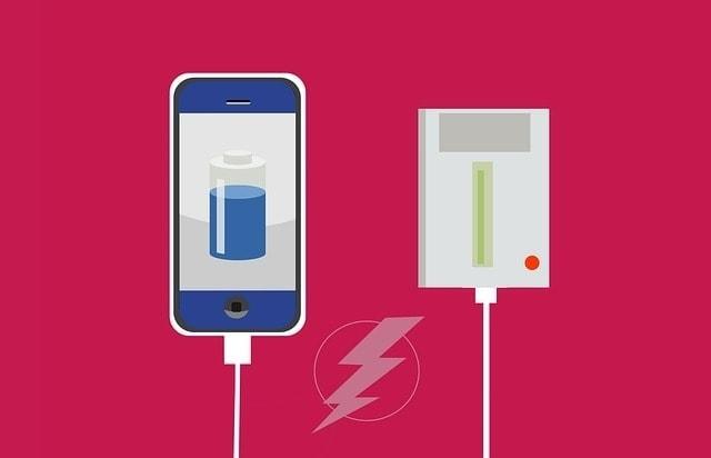 手機充電示意圖