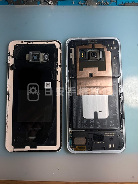 HTC U11 螢幕維修 移除背蓋