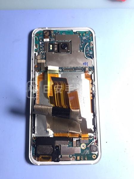 HTC U11 螢幕維修 拆除電池