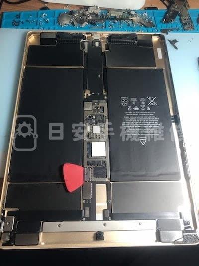 第一代 ipad pro 12.9 更換電池,斷電。