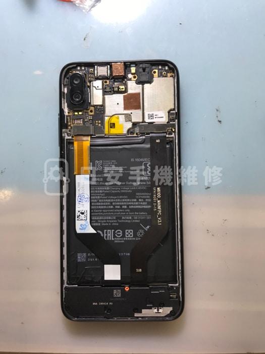 紅米 Note7 安裝電池、充電孔